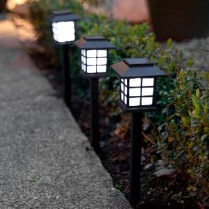 Best solar lights for garden, walkways and driveways